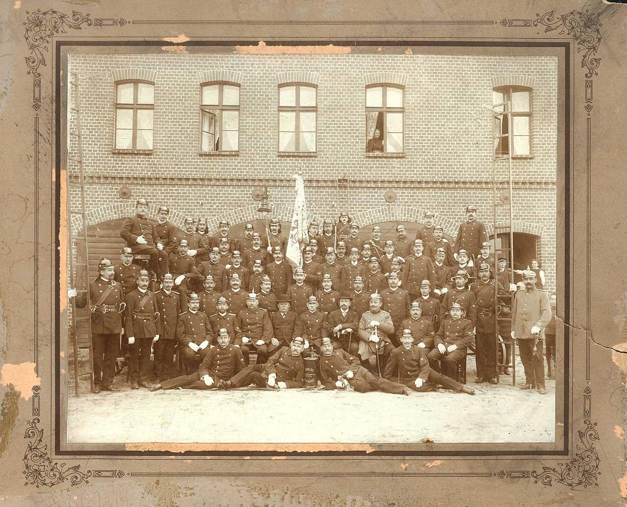 Zdjęcie wykonane w 5 rocznicę powstania OSP w 1909 roku
